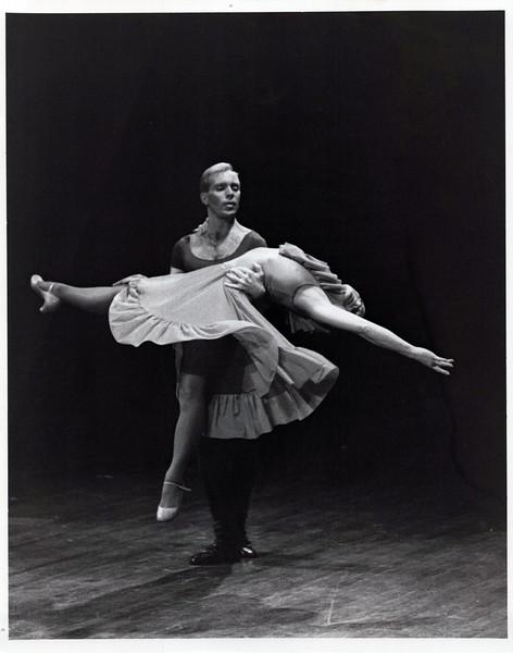 Dance_2519_a.jpg