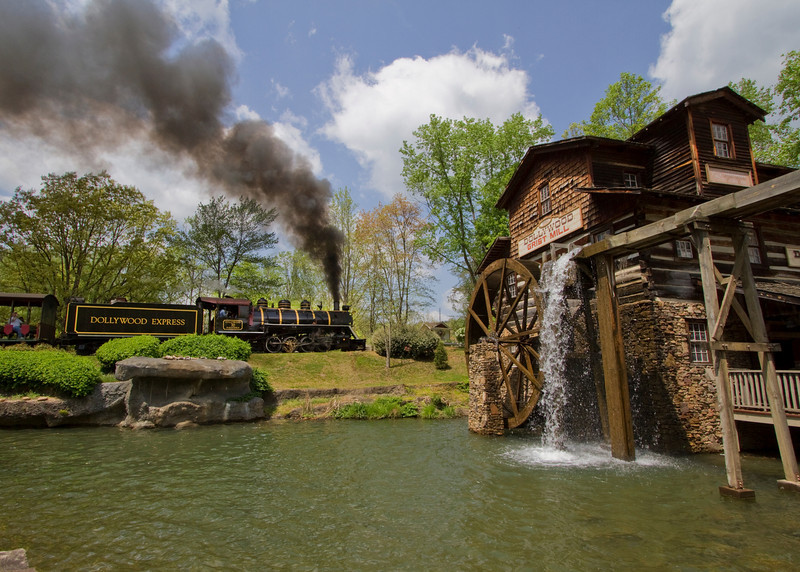 Dollywood_70_gristmill.jpg