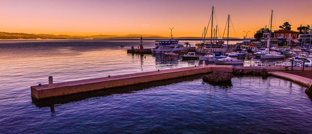 克罗地亚奥帕蒂亚(Opatija),黄昏海滨