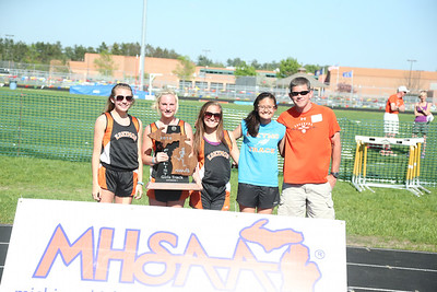 UP Girls' Awards - 2014 MHSAA T&F Finals