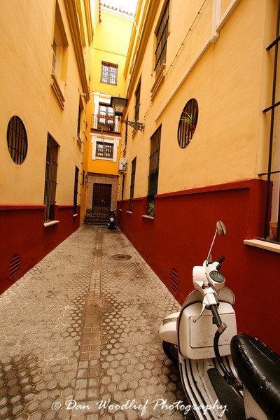 Alleyway - Sevilla, Spain.
