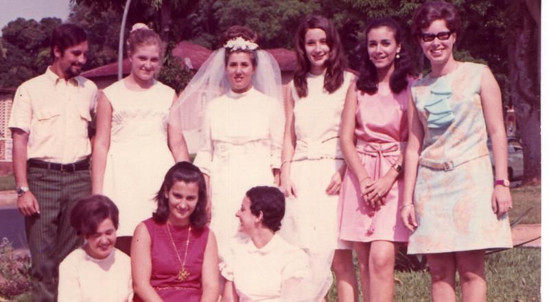 Dundo. Elizabete Lopes, noiva??, Tita Canhão, Nucha Barata, Rosa Lopes, Xixào Pires, Lu e Loli Canhão
