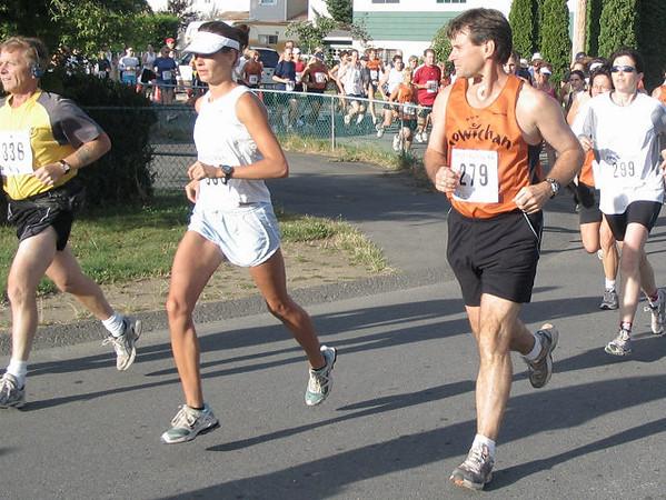 2005 Run Cowichan 10K - Grim determination
