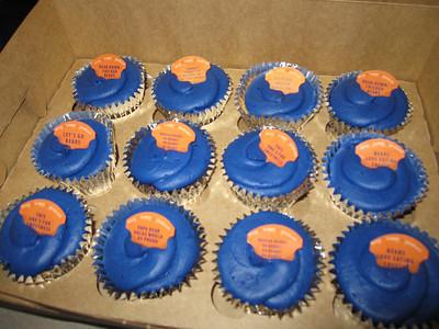 Foiled Cupcakes - Bear Down!