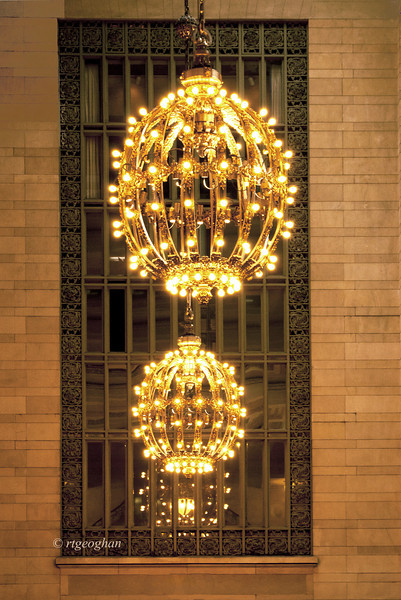 June 23_GrandCentral-Chandeliers_0558.jpg
