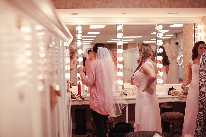 Matt & Erin Married _ getting ready  (15).jpg