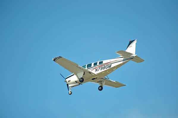 Plane over Jekyll Creek 09-04-09