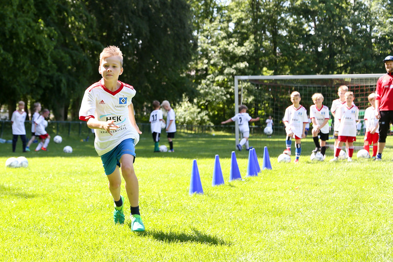 hsv_fussballschule-426_48047956226_o.jpg
