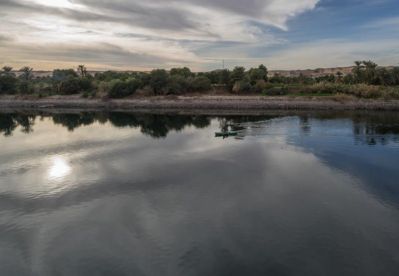 Remando Nilo arriba