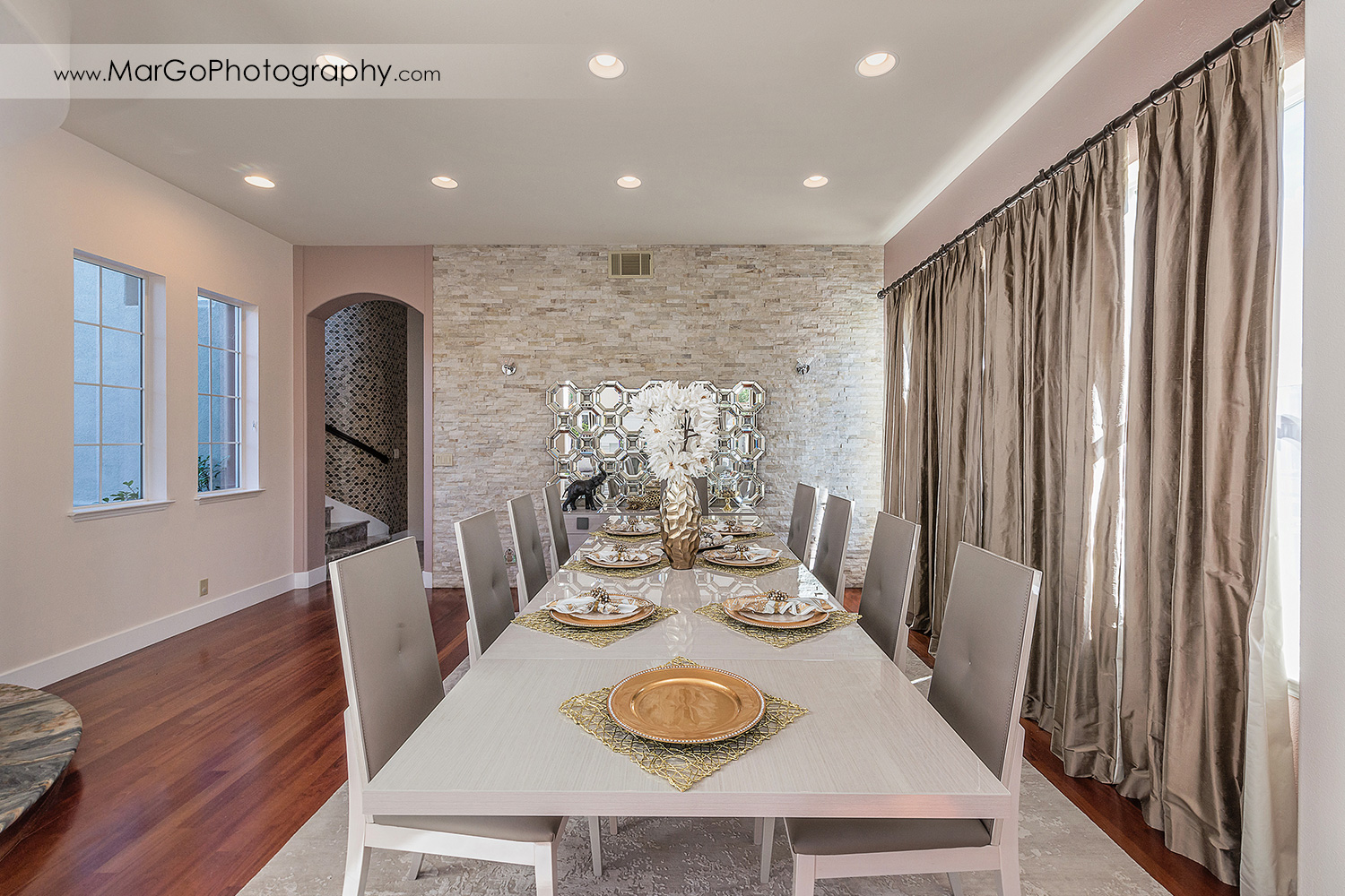 dining room in San Ramon house - real estate photography