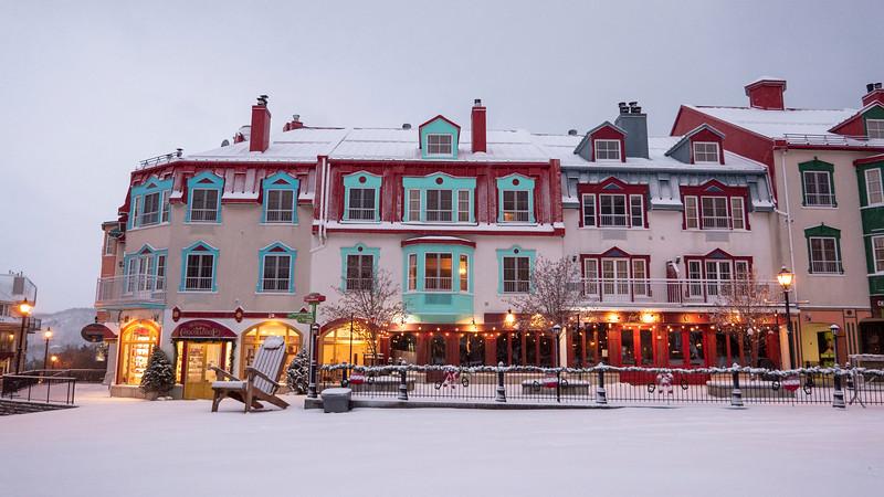 Mont-Tremblant-Quebec-Pedestrian-Village-08.jpg