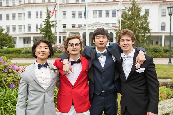 2021-5-29 Seniors Celebrate a Mini Prom