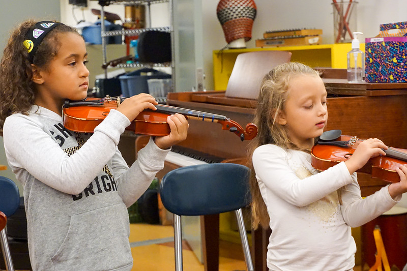 Teacher Monique Violin