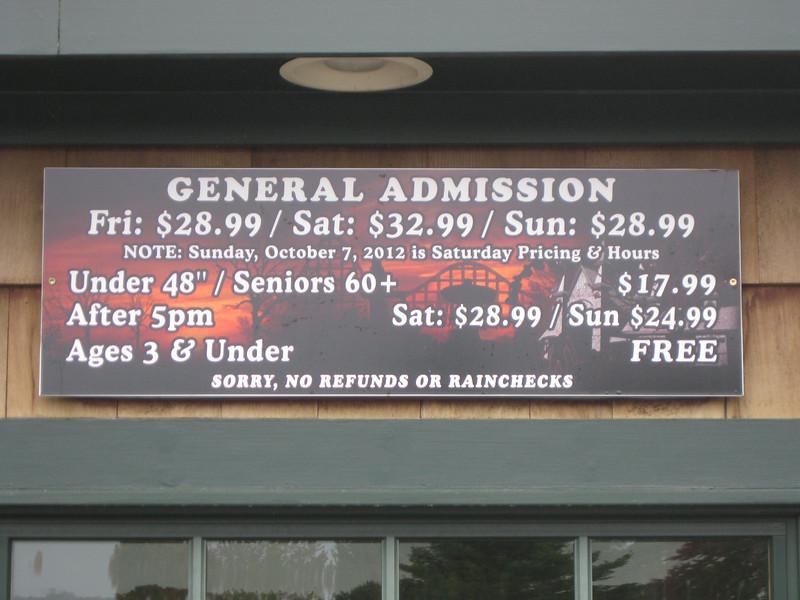 I visited Canobie Lake Park and Screeemfest on September 29, 2012.
