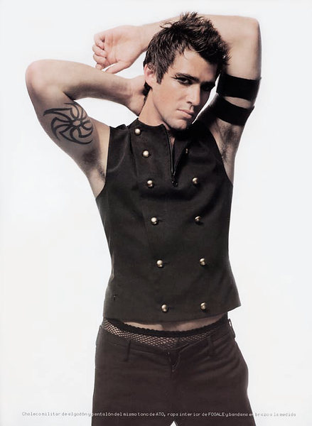 Creative-space-artists-hair-stylist-photo-agency-nyc-beauty-editorial-alberto-luengo-mens-grooming-male-model-6.png