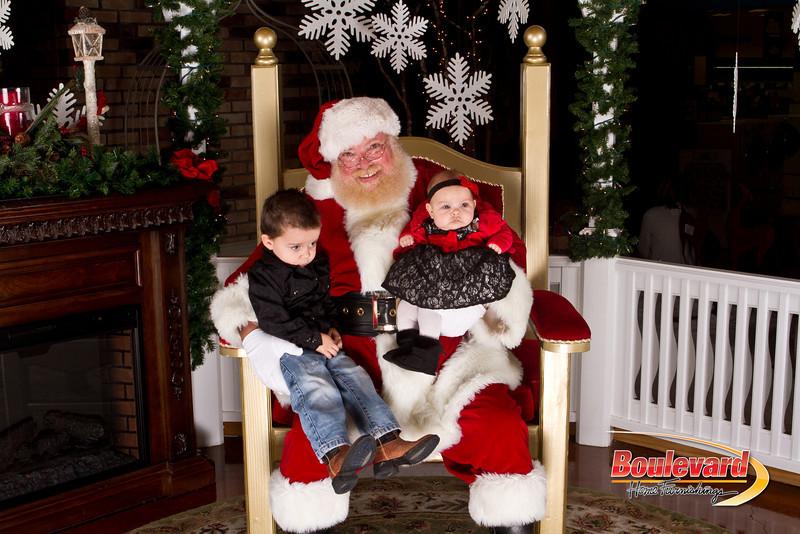 Santa Dec 15-164.jpg
