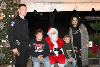 Holiday on Foster 2019 offers visits with Santa, loads of shopping