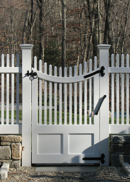 177 - 289172 - New Canaan CT - Custom Single Gate