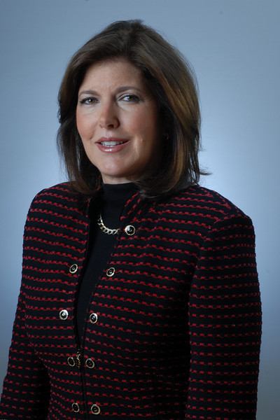 """Univision Radio """"Claudia Puig""""  12-4-09"""