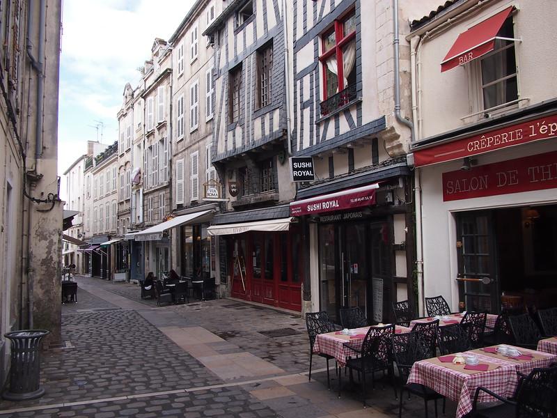 P7256111-rue-du-port.JPG