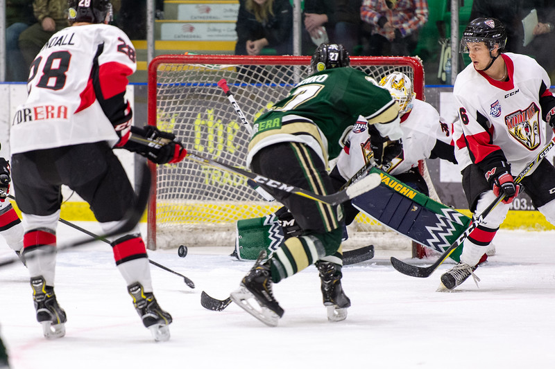 Jan 12 Oilers vs Camrose 0380.JPG
