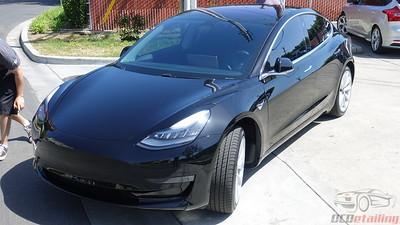 Tesla Model 3 - Solid Black 3