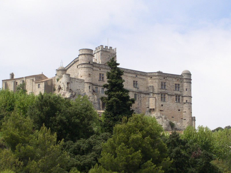 chateau near vaison la romaine.JPG