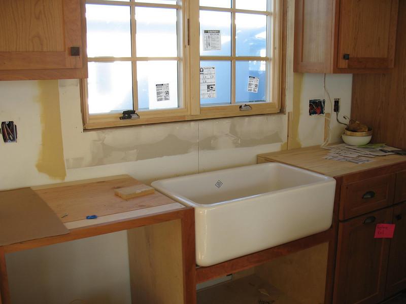 I love our farmhouse sink!
