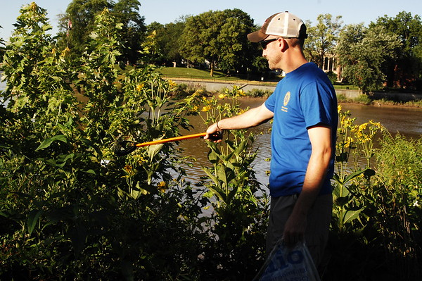 07-29-17 NEWS Defiance River Cleanup