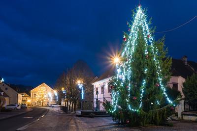 Christmas decorations in Kostanjevica - Jan 4, 2021