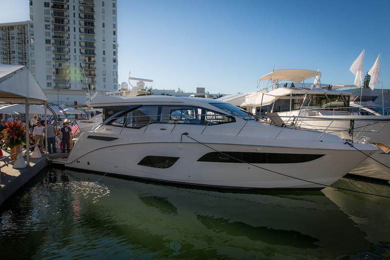 YachtsMiamiBeach (6 of 19).jpg