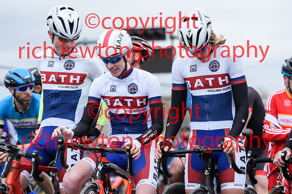 Castle Combe Easter Classic - 3rd Cat Race - 14.4.17.