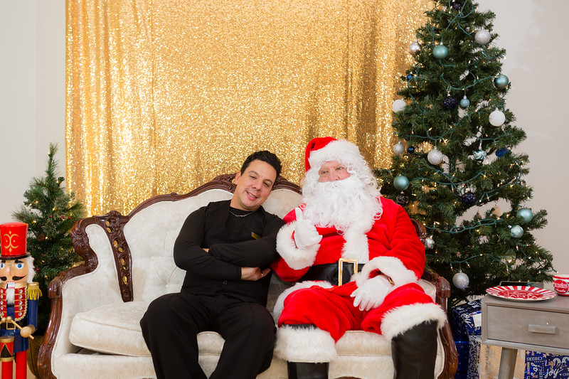 FADS Picture with Santa-164.jpg