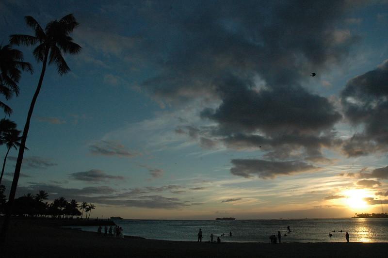 Hawaii - Ala Moana Beach Sunset-16.JPG