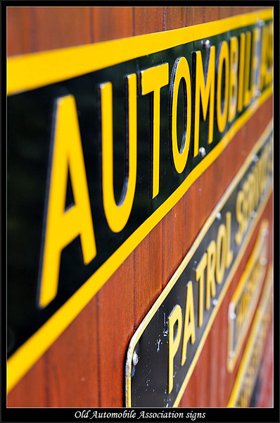 Collection of roadside AA signs (81269580).jpg
