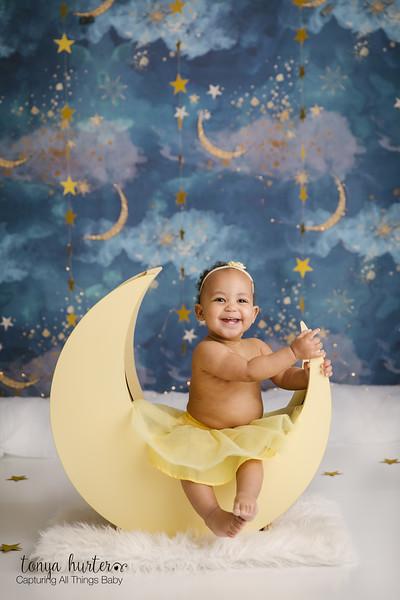 Tonya-Hurter-Photography-Copyright-2019-Newborn-Raleigh370A8140-Edit_.jpg