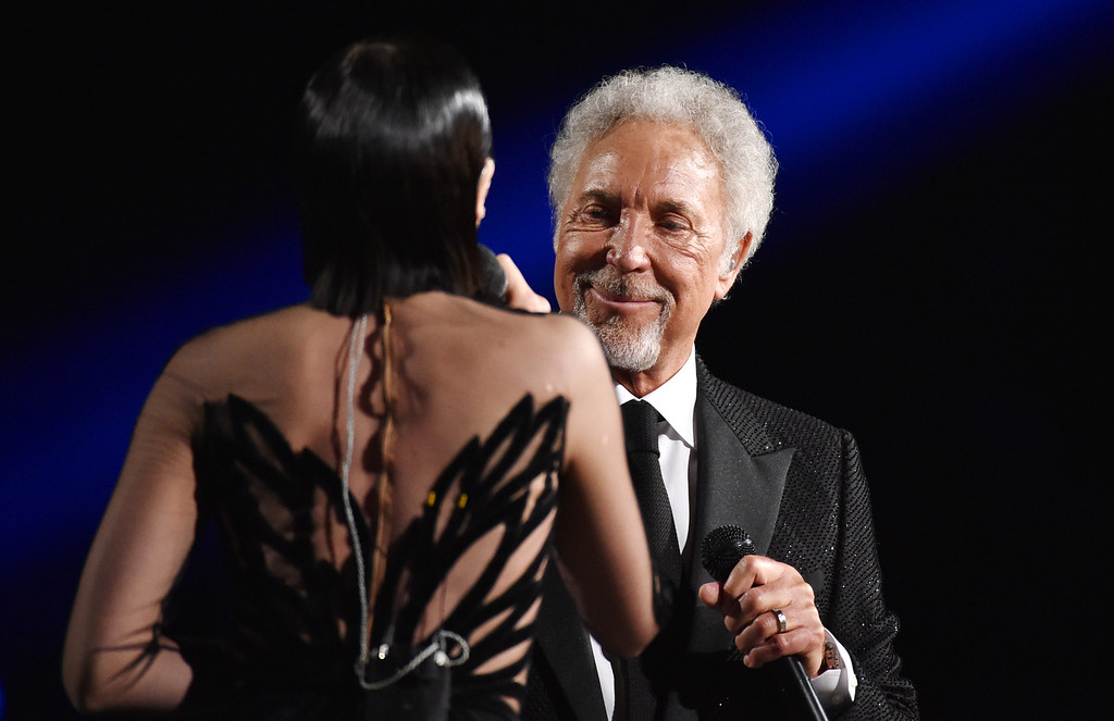 . Jessie J, left, and Tom Jones perform at the 57th annual Grammy Awards on Sunday, Feb. 8, 2015, in Los Angeles. (Photo by John Shearer/Invision/AP)