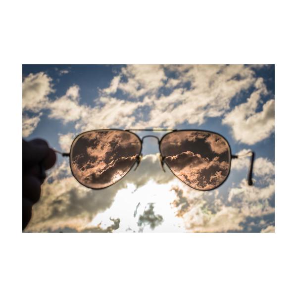 138_Sunglasses_10x10.jpg