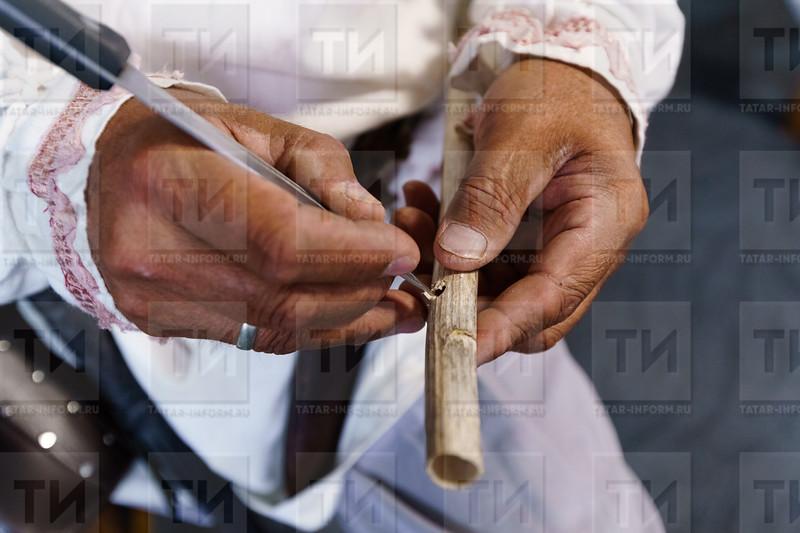 13.07.2021 - Мастер класс по игре на национальных музыкальных инструментах, по башкирскому танцу по стрельбе из лука (Салават Камалетдинов )