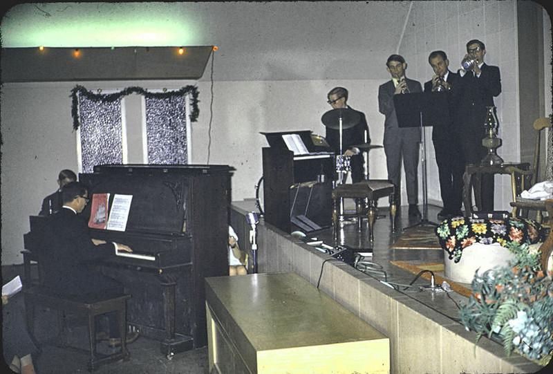 19671207_church_party_seldo