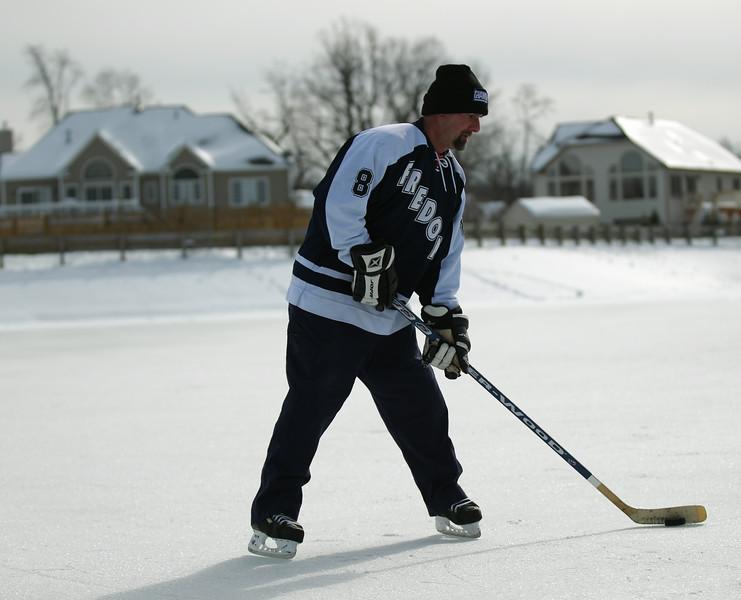 20140208_EMCphotography_PondHockeyCongersLakeNY-23.jpg
