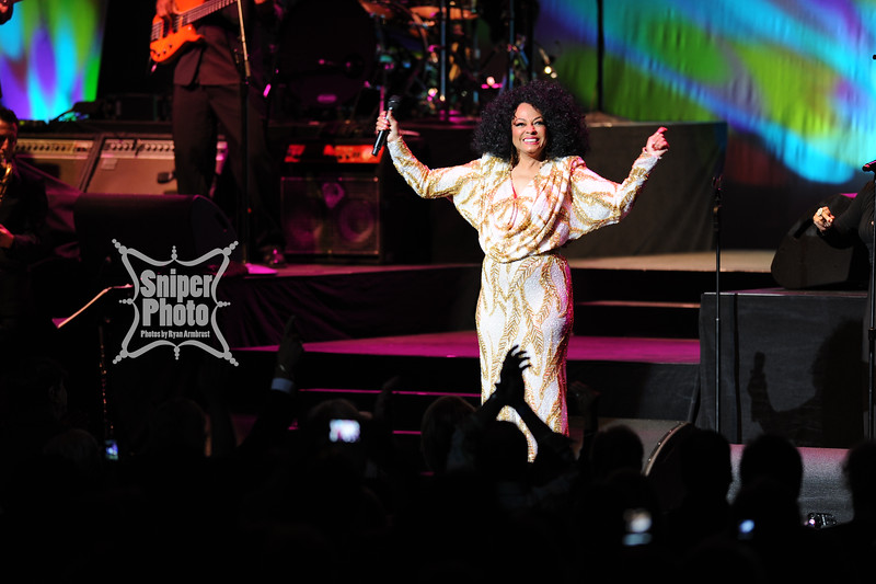 Diana Ross - Louisville Palace - Sniper Photo-9.jpg