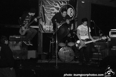 Media Control - at Westchester Bar and Grill - Los Angeles, CA - December 29, 2007 Band MySpace:  http://www.myspace.com/mediacontrolpunks