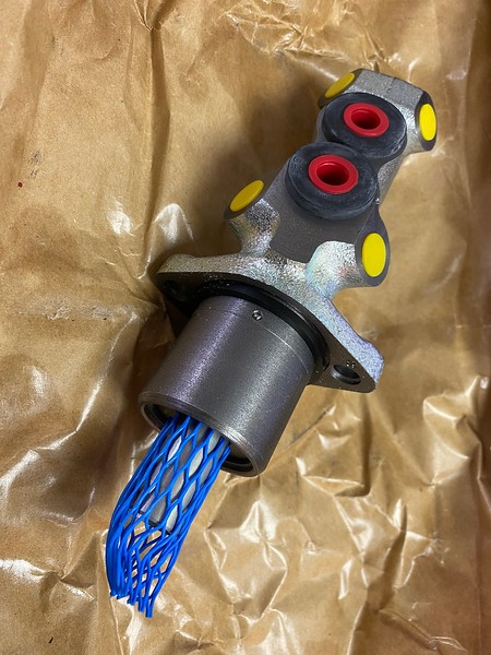 GP26881 Charlatte Master cylinder.jpg