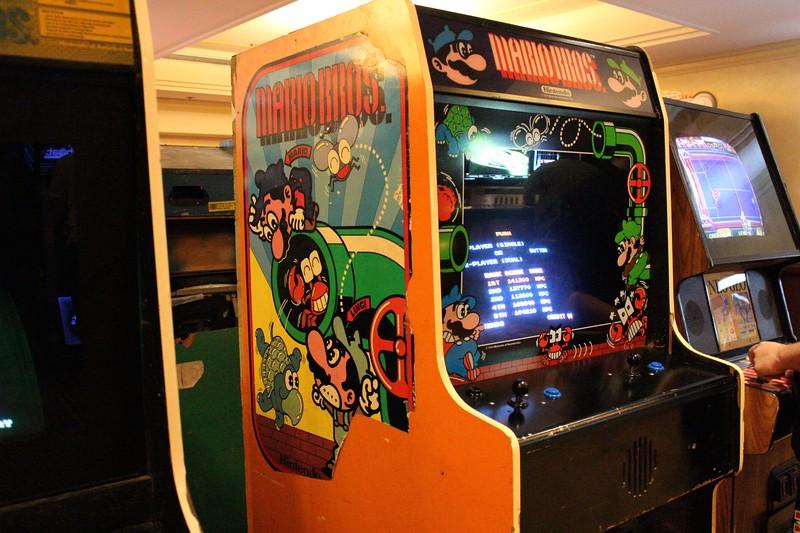 mario bros arcade machine.jpg