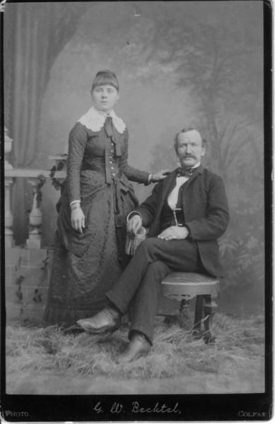 Ferd Davis and 1st Wife Martha.jpg