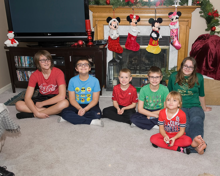 07 2019 Christmas Ragsdale - Wiley & Tomicich Grandkids.jpg