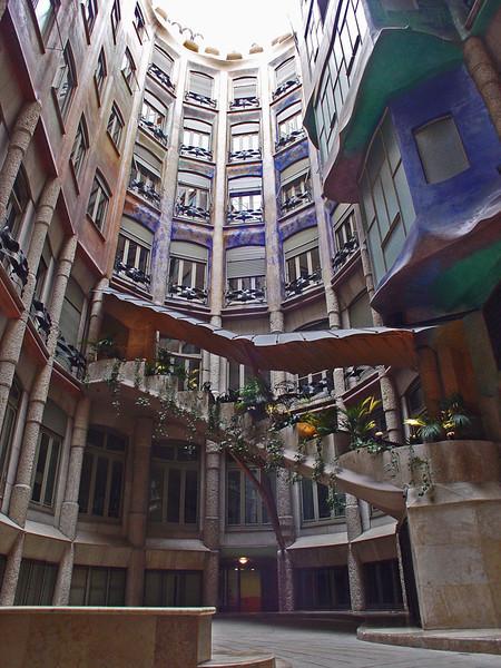 Barcelona_Gaudi (3).jpg