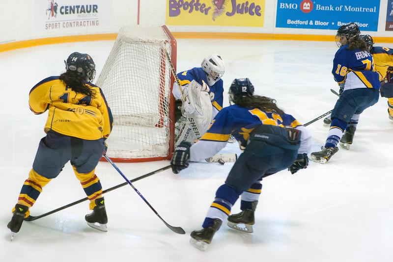 20130310 QWHockeyvsUBC 359.jpg