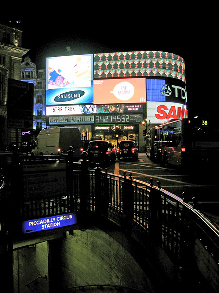 Piccadilly Circus Station - London, UK - May 1, 2009